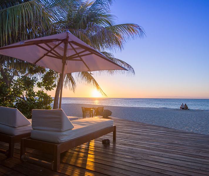 Sunsets & balmy evenings come standard on the Seychelles.