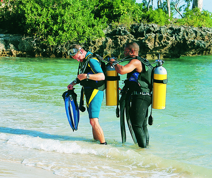Expert instructors take care of each diver, whether beginner or advanced.