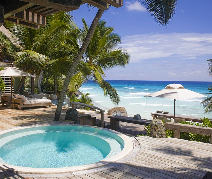 North Island villas offer privacy, luxury & endless views in the Seychelles.