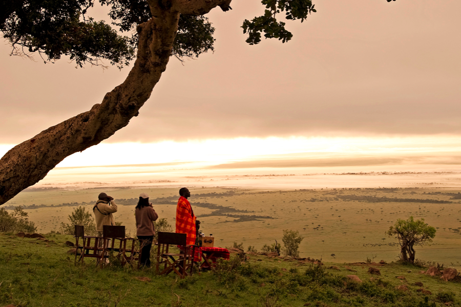 Female solo traveller with guides, Kenya   Go2Africa