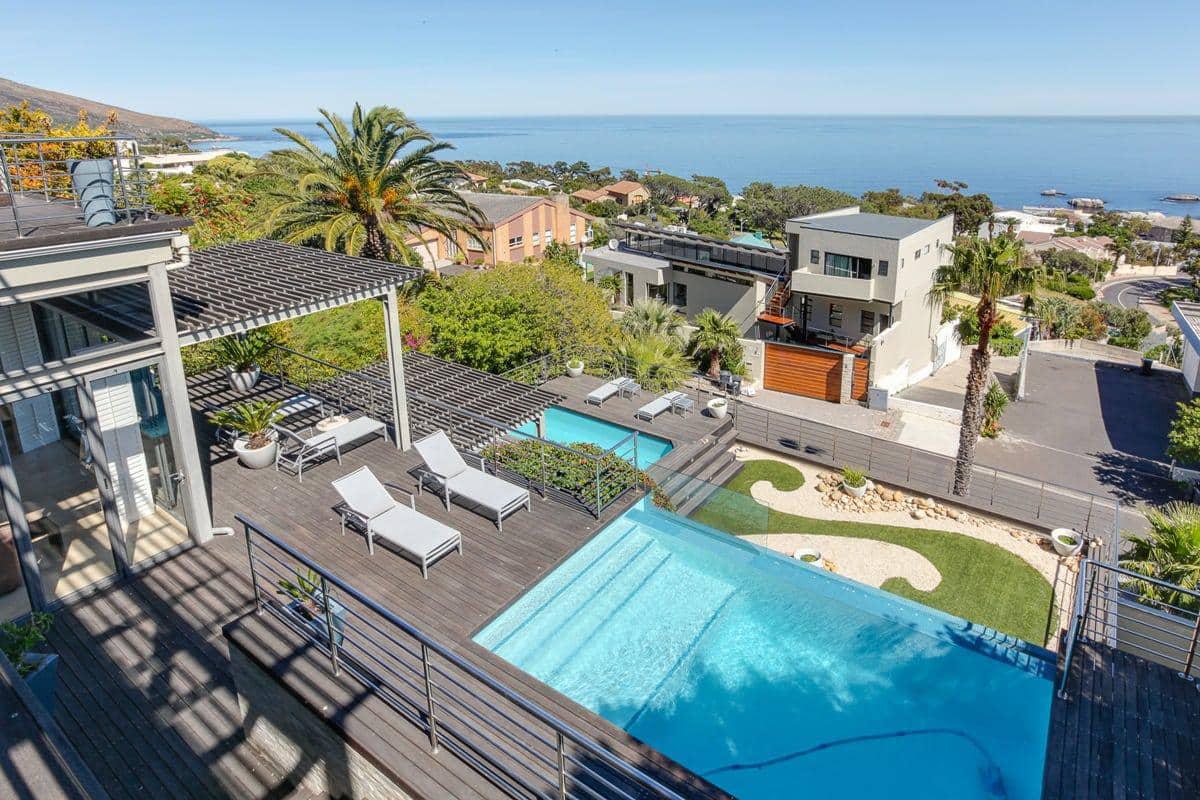 sea-and-rock-villa