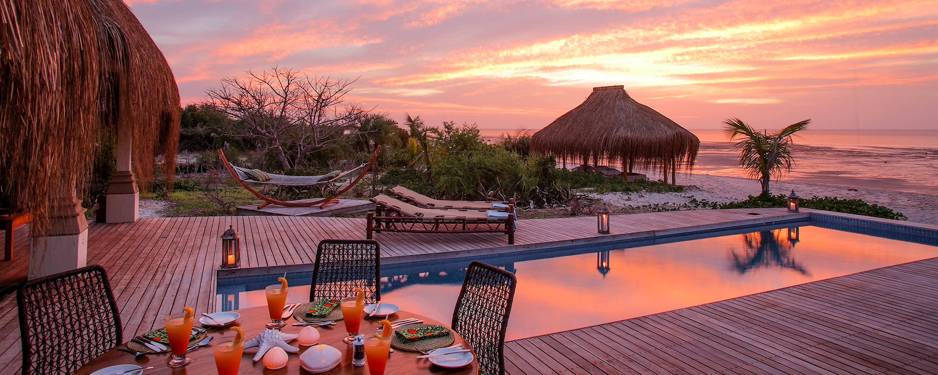 Villa Amizade in Mozambique: the ultimate combination of warm water, pristine beach and barefoot luxury.