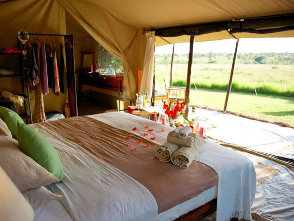 The luxury safari tents at Encounter Mara evoke a true sense of the 'classic' Kenya safari.