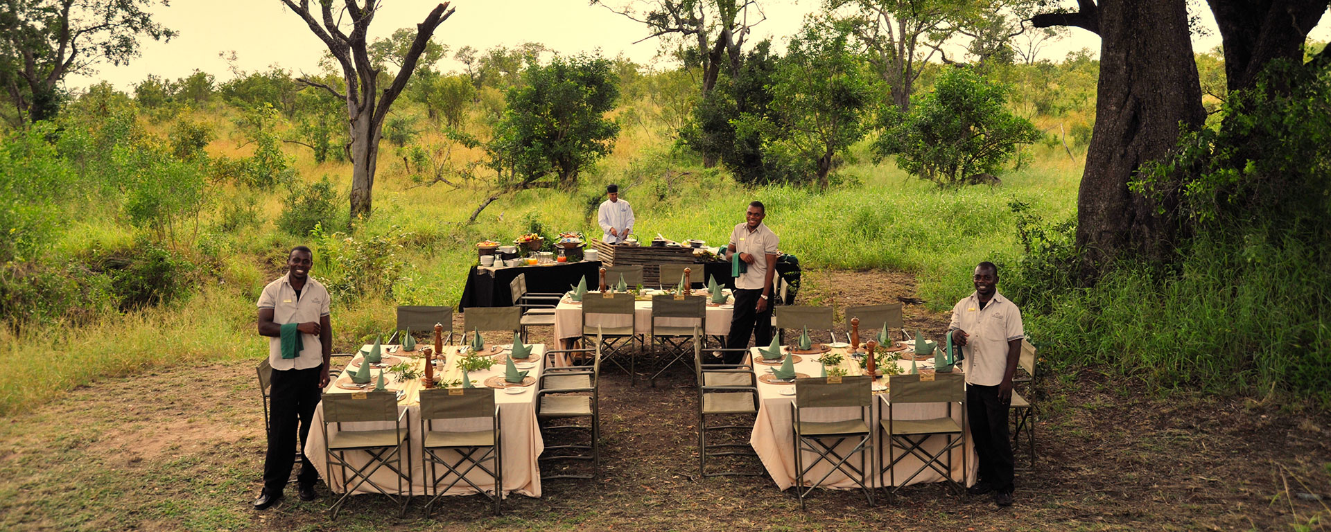 After a thrilling game drive, the staff at Savanna will be waiting to serve you in a gorgeous clearing.