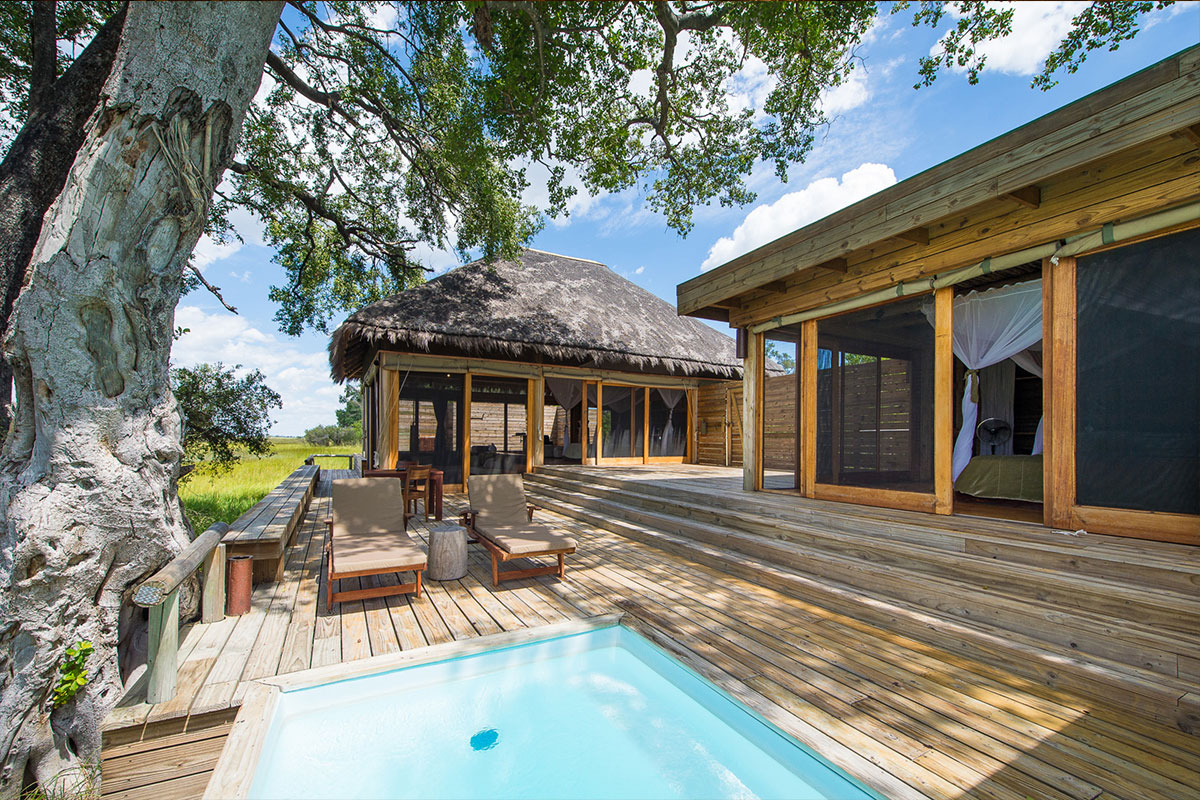 Pool and deck at the luxurious Vumbura Plains Camp in the Okavango Delta