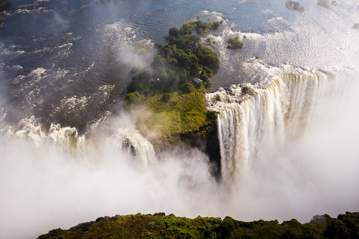 View from above Victoria Falls | African safari in Zambia or Zimbabwe | Go2Africa
