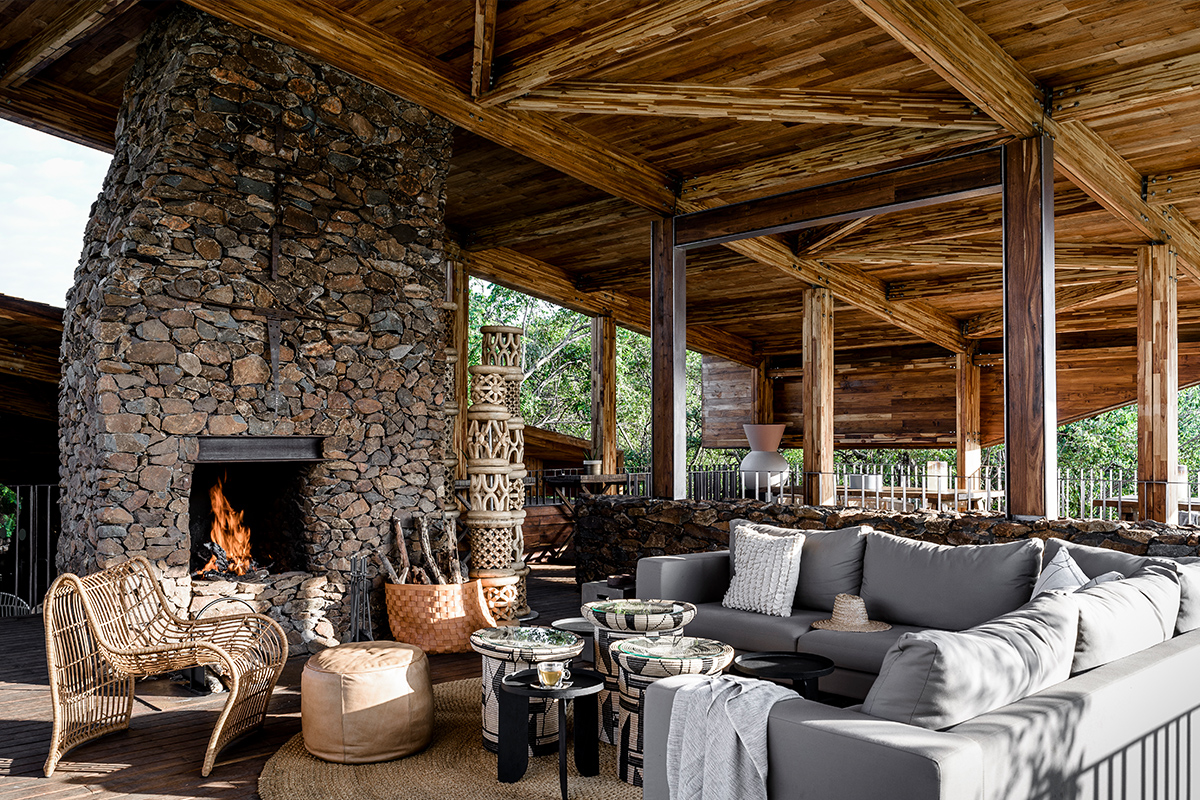 singita_faru_faru_lodge_-_fire_place