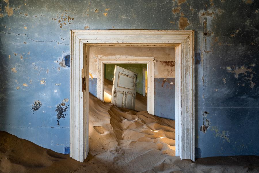 The ghost town of Kolmanskop, Lüderitz   Go2Africa